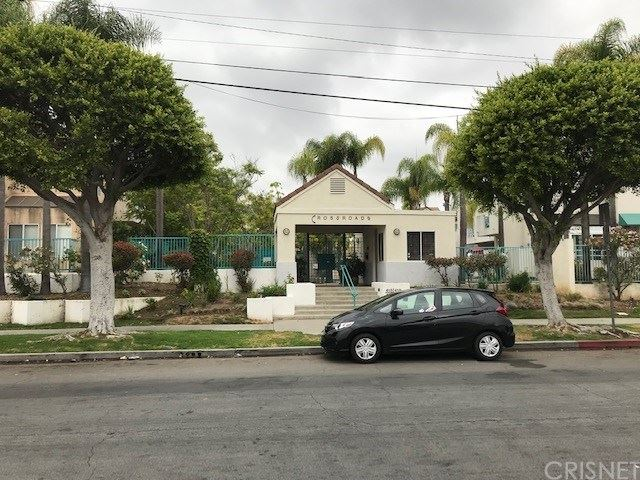 Photo of 419 E Tamarack Avenue #26, Inglewood, CA 90301 (MLS # SR20128657)