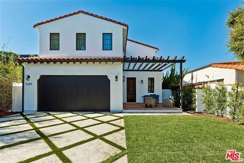 Photo of 2229 Walnut Avenue, Venice, CA 90291 (MLS # 21791658)