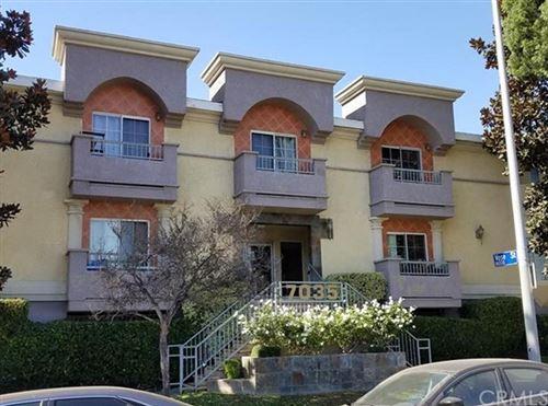 Photo of 7035 Woodley Avenue #205, Lake Balboa, CA 91406 (MLS # CV20230660)