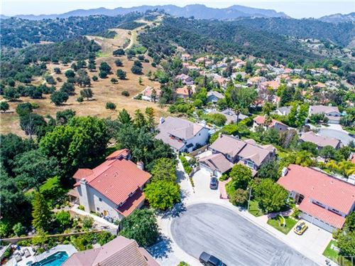 Photo of 22100 Dardenne Street, Calabasas, CA 91302 (MLS # SR20247660)