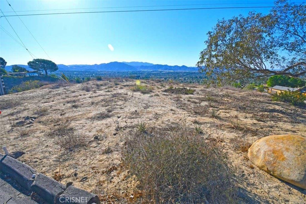 Photo of 603 E Highland Drive, Camarillo, CA 93010 (MLS # SR21227660)