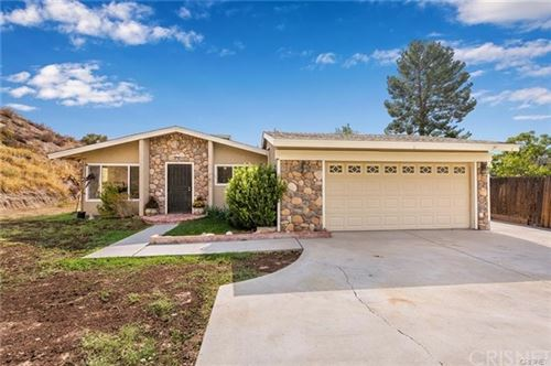 Photo of 29532 Wisteria Valley Road, Canyon Country, CA 91387 (MLS # SR20241661)