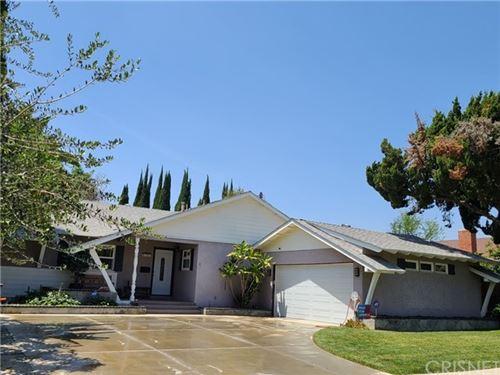 Photo of 8361 Wystone Avenue, Northridge, CA 91324 (MLS # SR21094661)