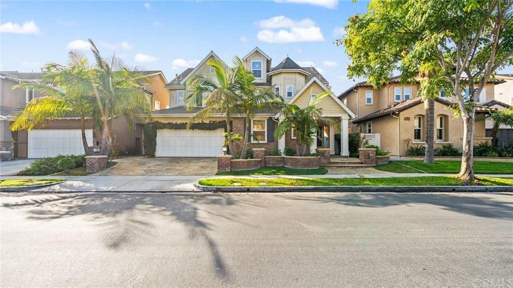 Photo of 1852 W Meadowbrook Drive, Santa Ana, CA 92704 (MLS # OC21228661)