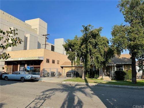 Photo of 312 N Palm Avenue, Ontario, CA 91762 (MLS # CV21210663)