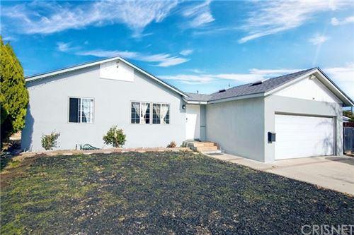 Photo of 6914 Cozycroft Avenue, Winnetka, CA 91306 (MLS # SR21005663)