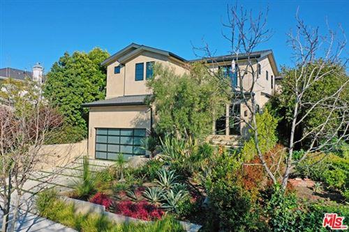 Photo of 10560 Rountree Road, Los Angeles, CA 90064 (MLS # 21695664)