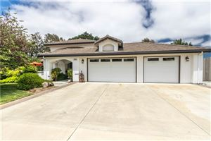 Photo of 231 Nutwood Circle, Paso Robles, CA 93446 (MLS # NS19148664)