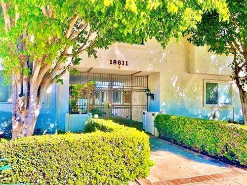 Photo of 18611 Collins Street #E33, Tarzana, CA 91356 (MLS # SR20226664)