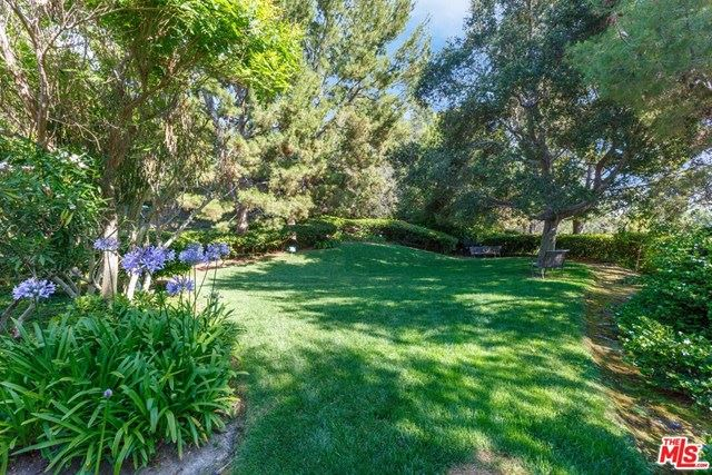 Photo of 704 Palisades Drive, Pacific Palisades, CA 90272 (MLS # 20597664)
