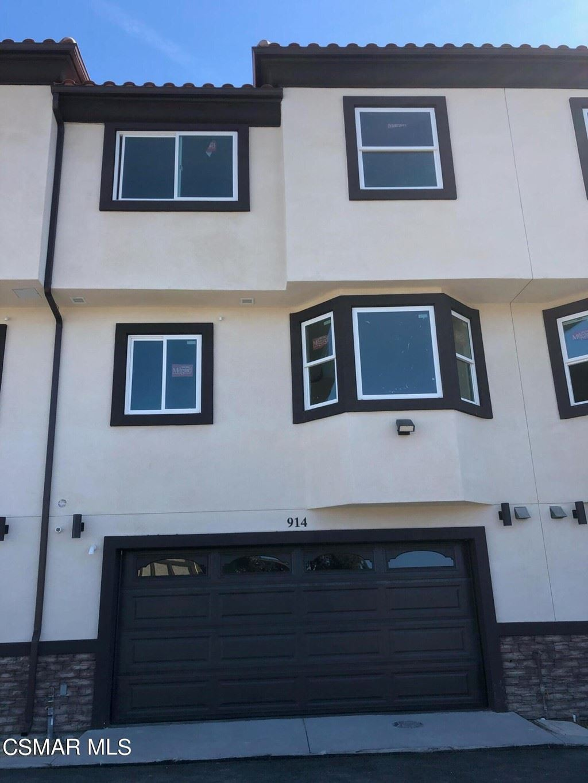 Photo of 914 Warwick Avenue, Thousand Oaks, CA 91360 (MLS # 221005664)
