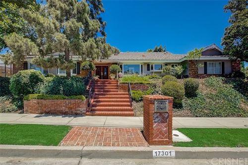 Photo of 17301 Plummer Street, Northridge, CA 91325 (MLS # SR21149665)
