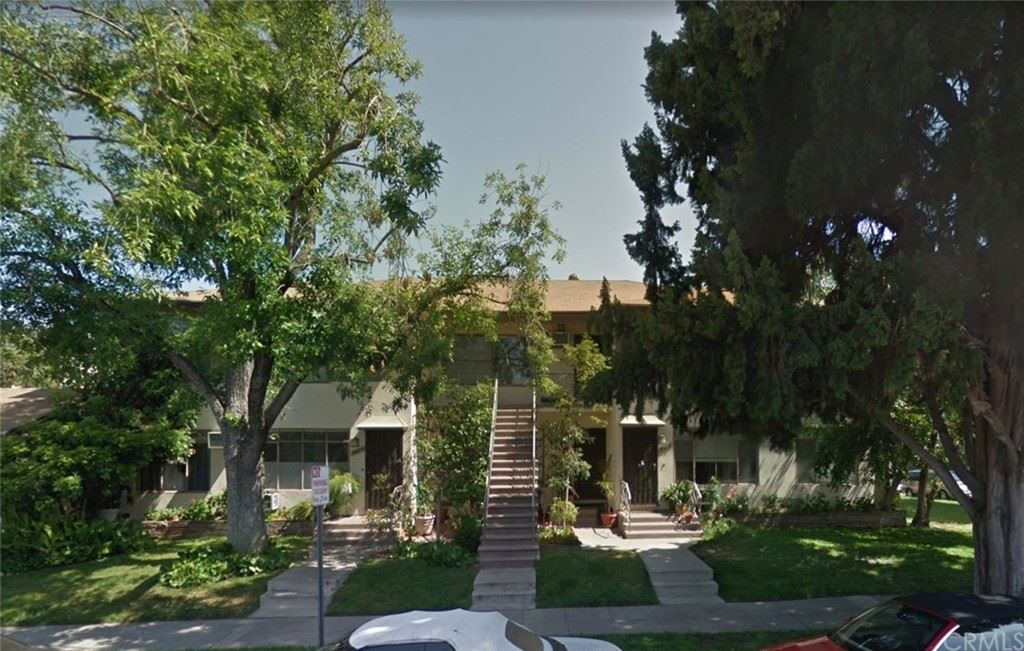 Photo of 3916 W Oak Street #D, Burbank, CA 91505 (MLS # BB21230665)