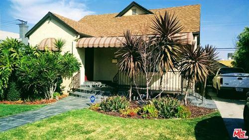 Photo of 5126 S VICTORIA Avenue, Los Angeles, CA 90043 (MLS # 20555666)