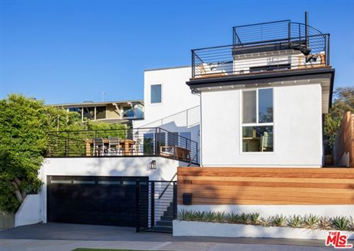 Photo of 574 Mount Holyoke Avenue, Pacific Palisades, CA 90272 (MLS # 21684666)
