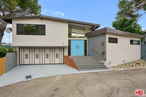 Photo of 9234 Kinglet Drive, Los Angeles, CA 90069 (MLS # 21757666)