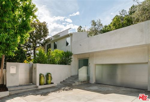 Photo of 1325 N Wetherly Drive, Los Angeles, CA 90069 (MLS # 21792666)