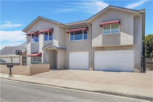 Photo of 8571 Haxton Circle, Huntington Beach, CA 92646 (MLS # OC21104666)