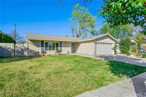 Photo of 22509 Bassett Street, West Hills, CA 91307 (MLS # SR21046666)