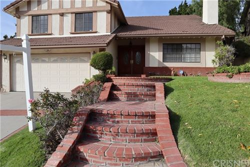 Photo of 17407 Sunset Ridge Circle, Granada Hills, CA 91344 (MLS # SR20017667)