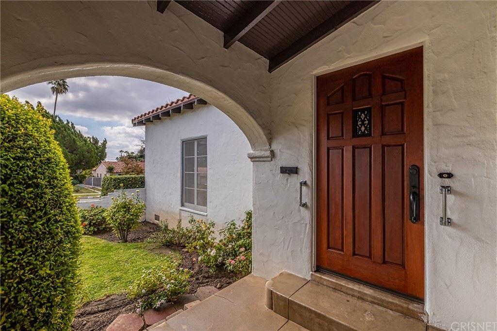 Photo of 1523 El Miradero Avenue, Glendale, CA 91201 (MLS # SR21224667)