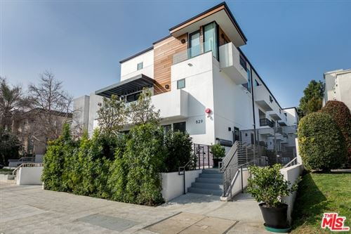 Photo of 829 N MARTEL Avenue #4, Los Angeles, CA 90046 (MLS # 20556668)