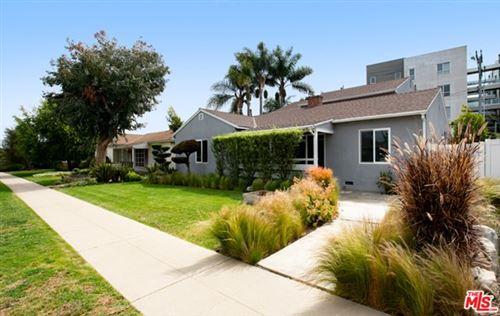 Photo of 2907 S Bentley Avenue, Los Angeles, CA 90064 (MLS # 21722668)