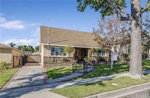 Photo of 533 Hampton Road, Burbank, CA 91504 (MLS # BB20238668)
