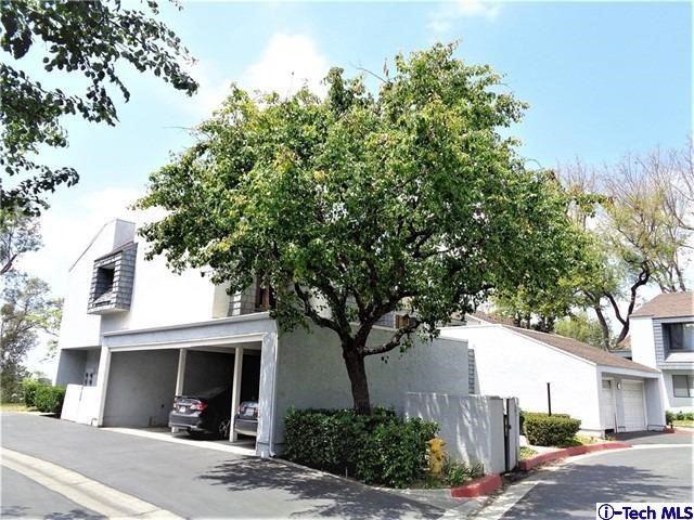 Photo of 535 S Ranch View Circle, Anaheim Hills, CA 92807 (MLS # 320006669)