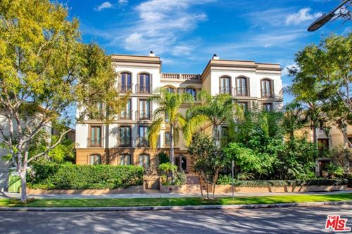 Photo of 132 S Crescent Drive #401, Beverly Hills, CA 90212 (MLS # 21676670)