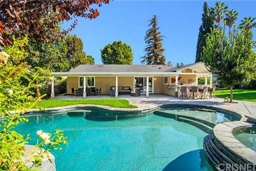 Photo of 6209 Berquist Avenue, Woodland Hills, CA 91367 (MLS # SR20224670)