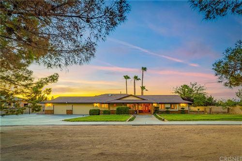Photo of 2051 W Avenue O8, Palmdale, CA 93551 (MLS # SR21130670)