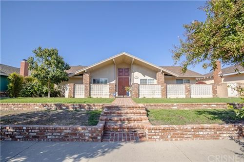 Photo of 7959 Woodlake Avenue, West Hills, CA 91304 (MLS # SR20217671)