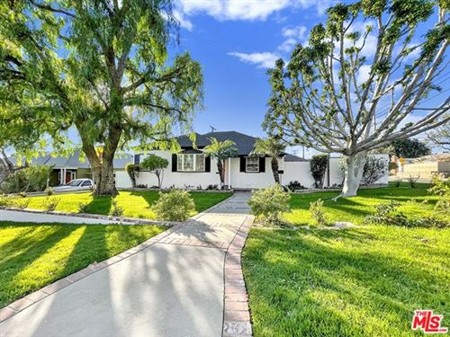 Photo of 2345 N Orchard Drive, Burbank, CA 91504 (MLS # 21681672)