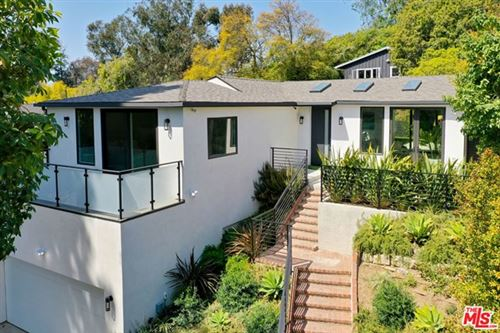 Photo of 10329 Walavista Road, Los Angeles, CA 90064 (MLS # 21715672)