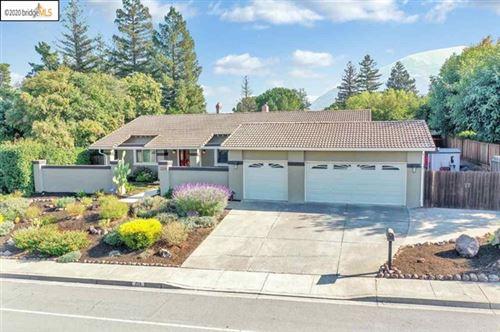 Photo of 229 Mountaire Circle, Clayton, CA 94517 (MLS # 40927672)