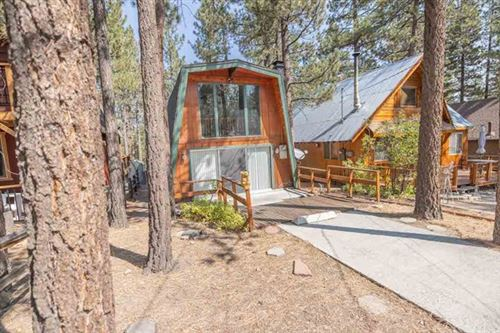 Photo of 621 Sugarloaf Boulevard, Big Bear, CA 92314 (MLS # EV20201672)