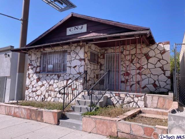 Photo of 6851 Foothill Boulevard, Tujunga, CA 91042 (MLS # 320005672)