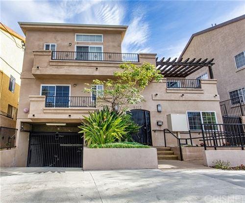 Photo of 5312 Denny Avenue #5, North Hollywood, CA 91601 (MLS # SR21006673)
