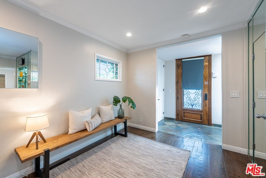Photo of 544 Huntley Drive, West Hollywood, CA 90048 (MLS # 21765674)
