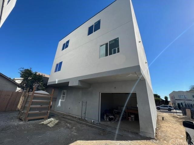 Photo of 615 W 41st Place, Los Angeles, CA 90037 (MLS # CV21230675)