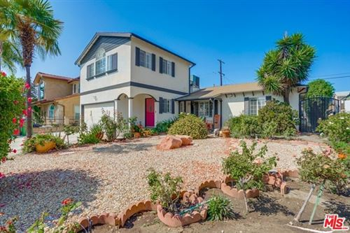Photo of 6257 Bluebell Avenue, Valley Glen, CA 91606 (MLS # 20651676)