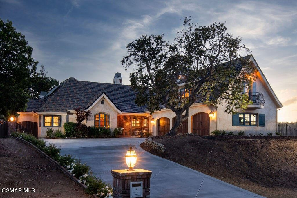 1284 Calle Arroyo, Thousand Oaks, CA 91360 - MLS#: 221002678