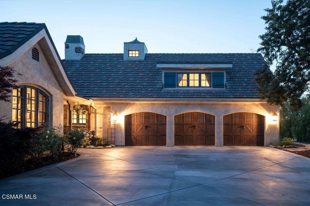 Photo of 1284 Calle Arroyo, Thousand Oaks, CA 91360 (MLS # 221002678)
