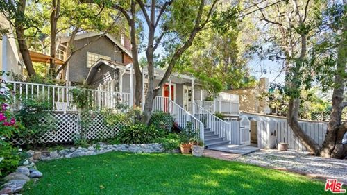 Photo of 8661 LOOKOUT MOUNTAIN Avenue, Los Angeles, CA 90046 (MLS # 20580680)