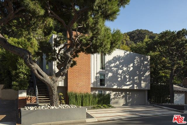 Photo of 2022 BENEDICT CANYON Drive, Beverly Hills, CA 90210 (MLS # 20656680)