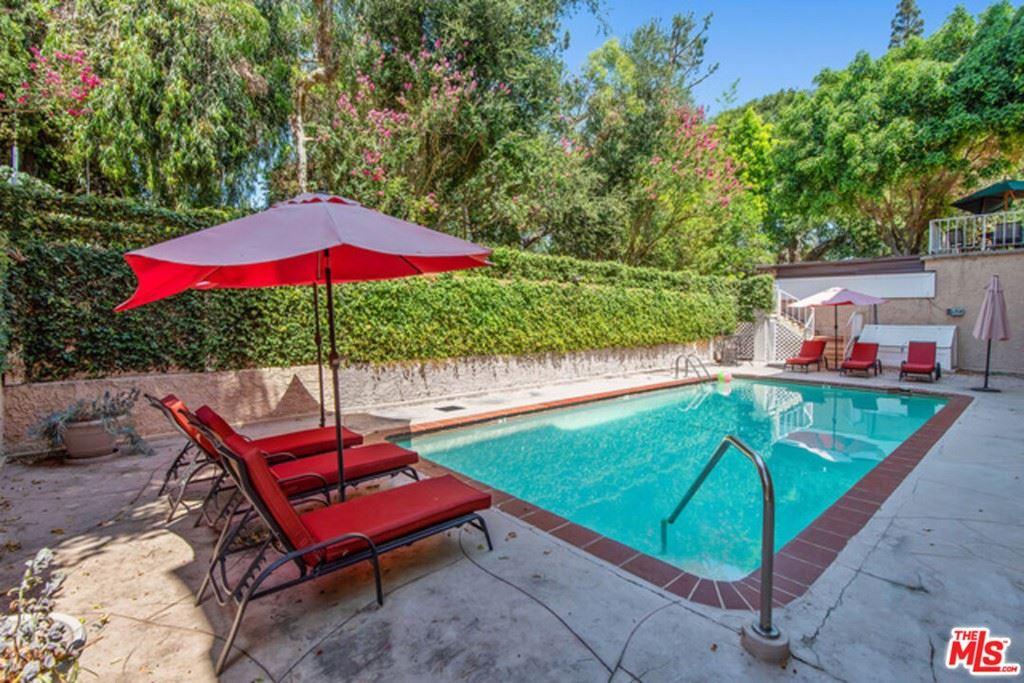 Photo of 5139 Balboa Boulevard #14, Encino, CA 91316 (MLS # 21785680)