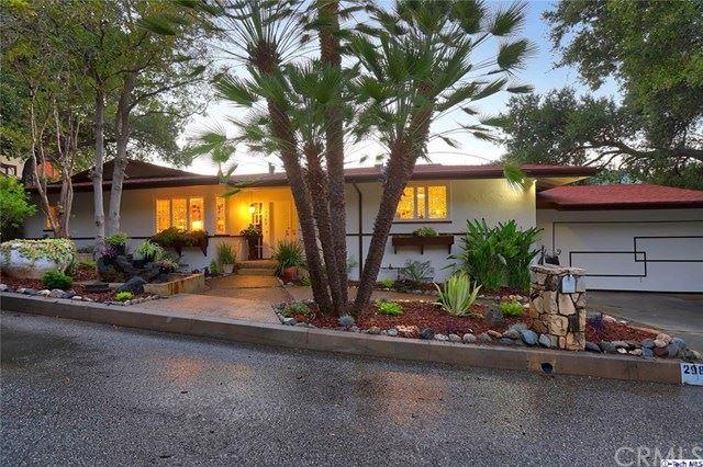 Photo for 2989 Saint Gregory Road, Glendale, CA 91206 (MLS # 320002681)