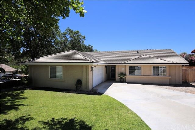 Photo of 1108 Windsong Way, Paso Robles, CA 93446 (MLS # NS21122681)