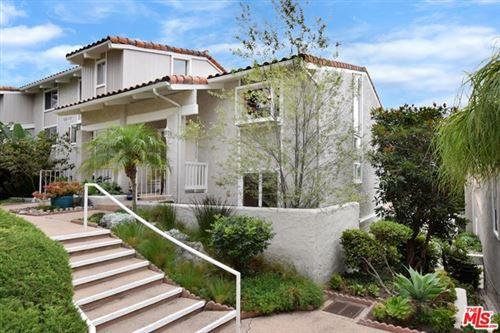 Photo of 28382 Rey De Copas Lane, Malibu, CA 90265 (MLS # 20652682)